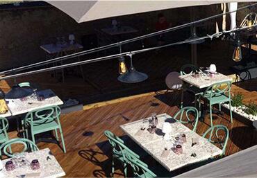 Terrasse de la pizzeria La Pause Napolitaine dans la Vienne (86)