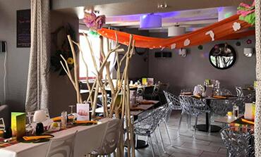 Pizzeria La Pause Napolitaine décorée aux couleurs d'une soirée à thème dans la Vienne (86)